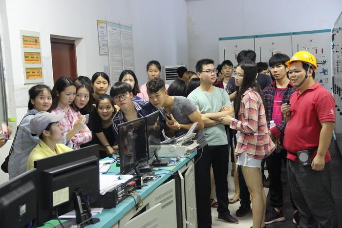 广西经济管理干部学院师生前来百洋观摩学习